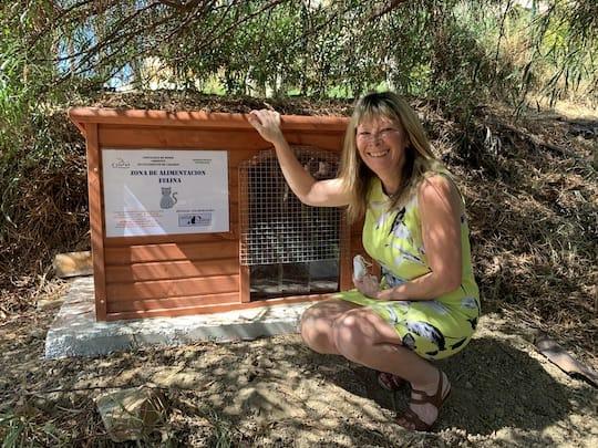 Cat Feeding Station - Kathy